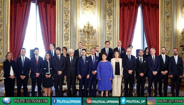 Italian Prime Minister employs 30 ministers with no role