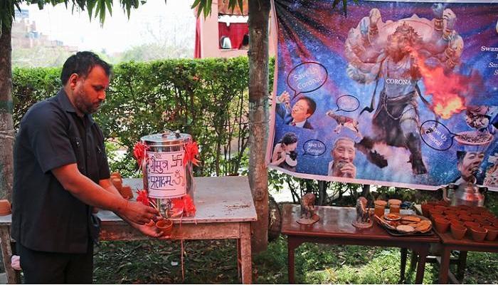 Group of Hindu offers cow urine to ward off coronavirus