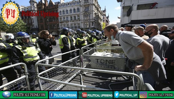 Far-right demonstrators clash with London Police