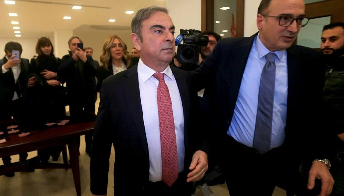 Turkish pilot denies helping Ghosn escape