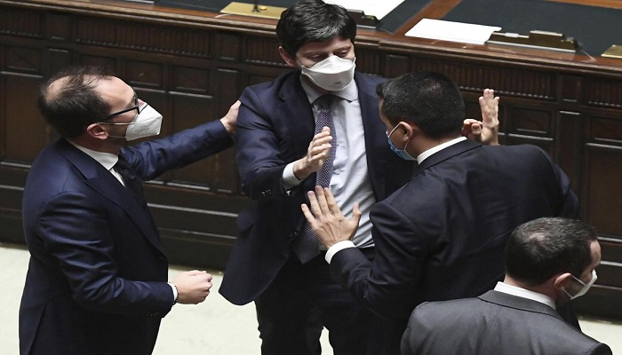 Italy's main ruling parties discuss elections as Conte struggles for majority