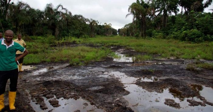 Shell ordered to pay Nigerian farmers over oil spills