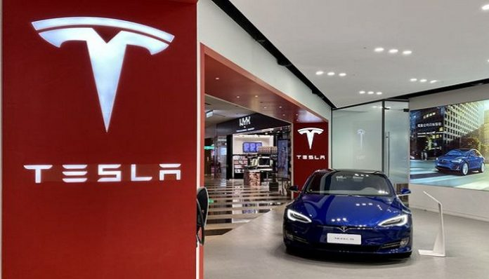 Tesla plans to recall approx 135,000 vehicles over touchscreen issue