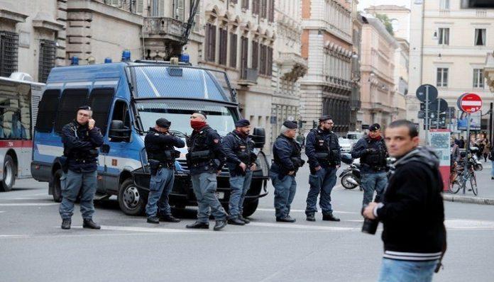 Italian Police arrest navy captain for spying
