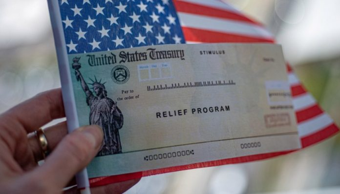 Tax experts say some Americans could receive $1,400 stimulus cheques